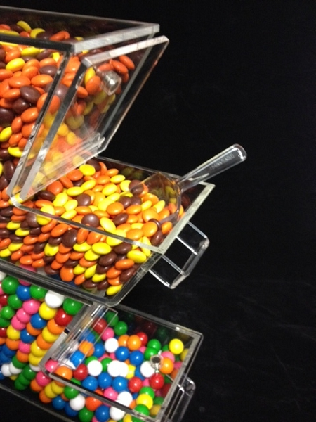 Topping Bin With Magnetic Hinged Lid Acrylic Candy Container