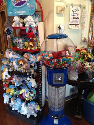 5 Foot Wizard Spiral Gumball Machine