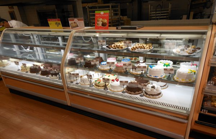 Refrigerated Display Case for Bakeries and Delis